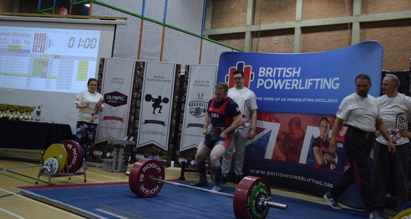 Dan sets GB Deadlift record (again) | Dennis Dixon